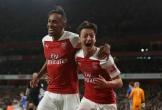 Ozil rực sáng, Arsenal ngược dòng thắng Leicester