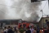 Cháy lớn tại khu nhà kho gần bến xe Nước Ngầm