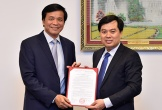 Trao Nghị quyết bổ nhiệm Phó Chủ nhiệm Văn phòng Quốc hội