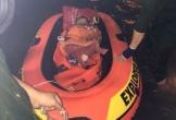 Ba mẹ con ở Đà Nẵng được giải cứu khi mắc kẹt trong nhà ngập nước