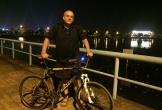Người đàn ông Anh giảm 35 kg nhờ đạp xe đêm quanh hồ Tây