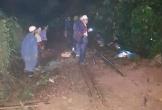 Trắng đêm khắc phục sạt lở mưa lũ, thông đường sắt qua Hải Vân