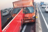 Ôtô chở hàng tông xe khách chở hơn 20 học sinh