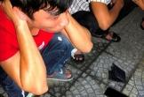 Phát hiện 14 thanh niên dương tính ma túy trong xe taxi