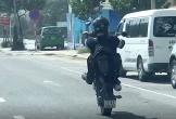 Thanh niên chạy mô tô bốc đầu, làm xiếc trên đường phố Đà Nẵng