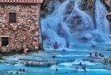 Suối nước nóng xanh ngọc được ví như spa tự nhiên ở Italy