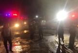 Nghệ An: Kho hàng bốc cháy dữ dội trong đêm