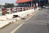 Phóng xe máy lên nhà ga Nội Bài: Một phụ nữ tử vong, bé gái trọng thương
