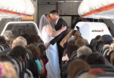 Cặp đôi tổ chức đám cưới trên máy bay ở độ cao 11.000 mét