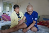 Ước mơ có 30 triệu để lắp chân giả của cậu bé bị ung thư xương