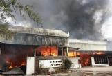 Cháy lớn ở TP.Đà Nẵng, hàng trăm người thót tim vì cạnh đó là xưởng chiết gas