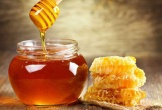 Uống một ly nước pha mật ong ấm ngày đông, cơ thể thay đổi kinh ngạc