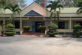 Cán bộ phòng giáo dục bị bắt trên chiếu bạc