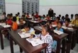 Đãi học sinh ăn cơm trước khi đến lớp