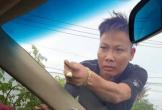 Vụ giang hồ vây xe chở công an: Bắt khẩn cấp Tuấn