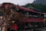 Xe tải chở sắt vụn đâm xe khách ở Hòa Bình, 34 người thương vong