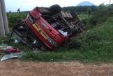 Xe tải va chạm với xe khách chở 24 công nhân