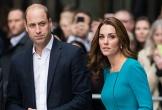 Xe hộ tống vợ chồng Hoàng tử William đâm cụ bà bị thương nặng