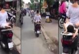 Clip: Thót tim cảnh mẹ chở con nằm dài sau xe máy