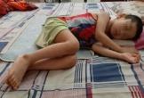 Vợ chồng trẻ bất lực không có tiền chữa bệnh cho con
