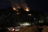 Hàng trăm người chữa cháy rừng trên núi Phước Tường, Đà Nẵng