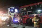Xe khách đấu đầu xe tải tại đường tránh Nam hầm Hải Vân