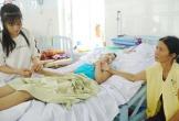 Mẹ bị tổn thương não nặng, 3 con lâm cảnh khốn cùng