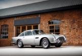 Xe của điệp viên 007 được chốt giá 147 tỉ đồng