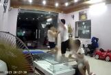 Chồng thẳng tay đánh vợ tới tấp trước mặt con khiến cộng đồng mạng dậy sóng
