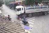 Clip: Tài xế cùng phụ xe của 2 xe khách lao vào cuộc