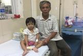Xót xa cháu bé mất mẹ lúc 8 tháng tuổi, bị ung thư 'lạ'