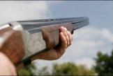 Dùng súng tự chế đi bắn chim, vô tình bắn người đàn ông tử vong