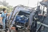 Xe tải tông trực diện xe khách, 2 tài xế tử vong trong cabin