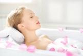 Nguy cơ mắc căn bệnh này nếu bạn vẫn giữ thói quen tắm sau khi ăn no