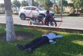 Phì cười chuyện chàng trai say rượu vứt xe bên đường, ngủ một giấc ngon lành đến sáng