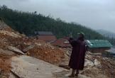 Sạt lở núi, 400 hộ dân ở Quảng Ngãi bị cô lập
