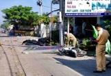 Ô tô 4 chỗ tông sập quán cà phê, nhiều người bị thương