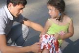 Văn Lâm khoe ảnh với em gái út 10 năm trước