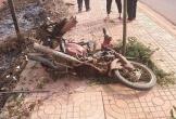 Đi nhặt củi về, người phụ nữ bị ô tô khách chạy cùng chiều tông tử vong