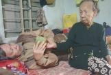 Cụ bà 93 tuổi vất vả nuôi con bị liệt