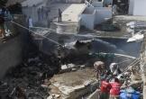 Máy bay chở hơn 100 người rơi tại Pakistan
