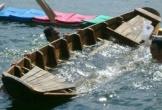 Đi thuyền nan vớt bèo, 2 người tử vong