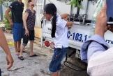 Quảng Bình: Nghi trộm cắp tiền, bé gái bị mẹ trói vào thùng xe tải