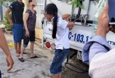 Người mẹ trói con gái vào xe tải: 'Tôi bức xúc vì nhà nhiều lần mất trộm tiền'