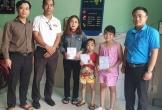 Trao 30 triệu đồng cho 3 trẻ mồ côi ở Đà Nẵng
