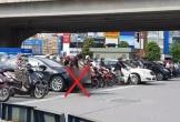 Đứng chờ đèn đỏ, người đàn ông đi ô tô thản nhiên tiểu bậy giữa ngã tư đường khiến cộng đồng mạng phẫn nộ