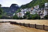 Trung Quốc ban bố cảnh báo vàng về mưa lũ