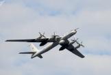"""3 """"sát thủ săn ngầm"""" Tu-142 của Nga sải cánh trên biển"""