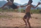 Hai thanh niên tỷ thí võ nghệ mãn nhãn như phim hành động