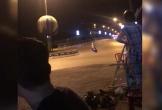 Hai quái xế lao vào nhau như tên bắn khiến xe trượt dài, tóe lửa trên đường